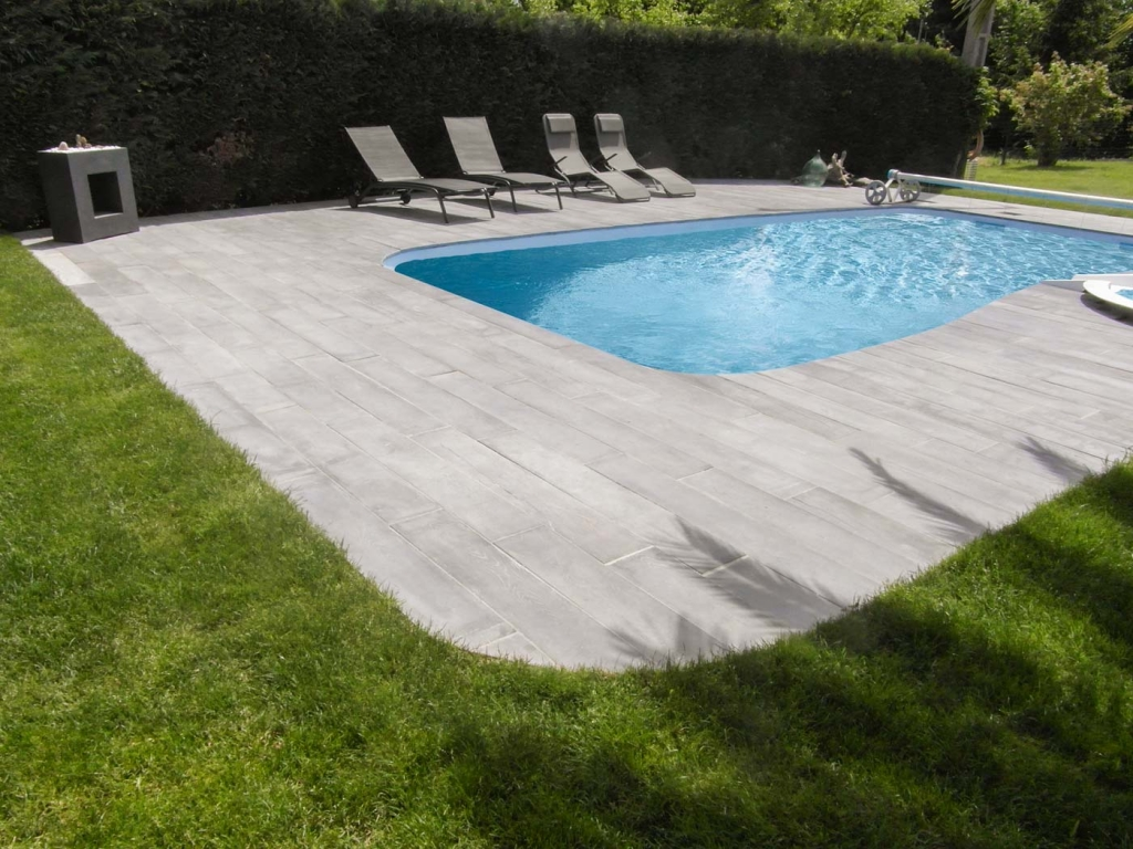 Carrelage Plage Piscine Imitation Bois Perfect Ambiance Margelle De Piscine Lame Rectangle Gris