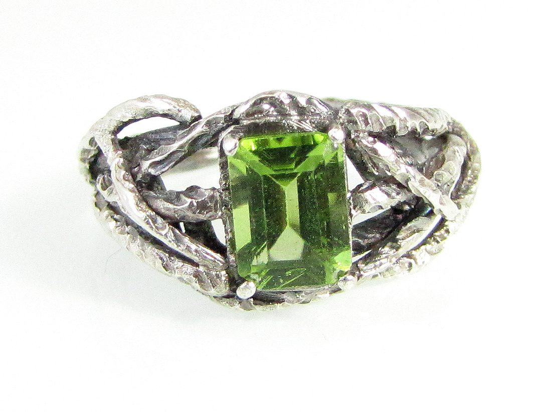 branch wedding ring peridot 1 branch wedding ring Branch Wedding Ring Peridot 1