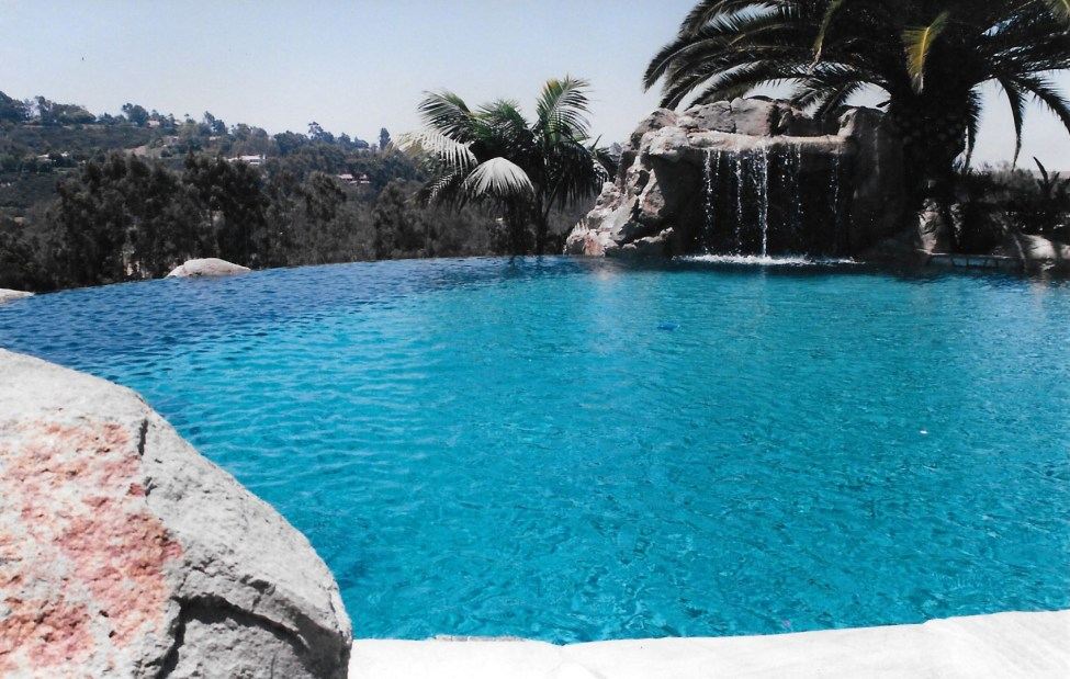 swimming pools fish ponds (19)