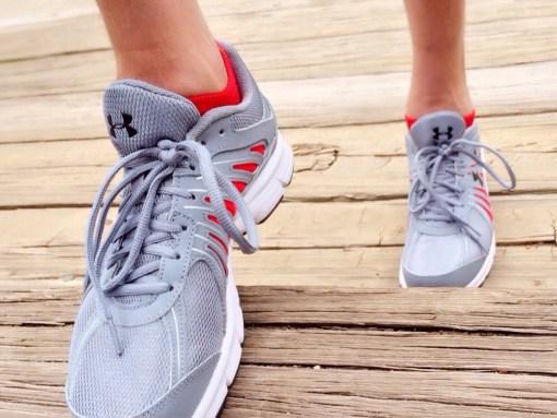 Sneakers run-750466_1280