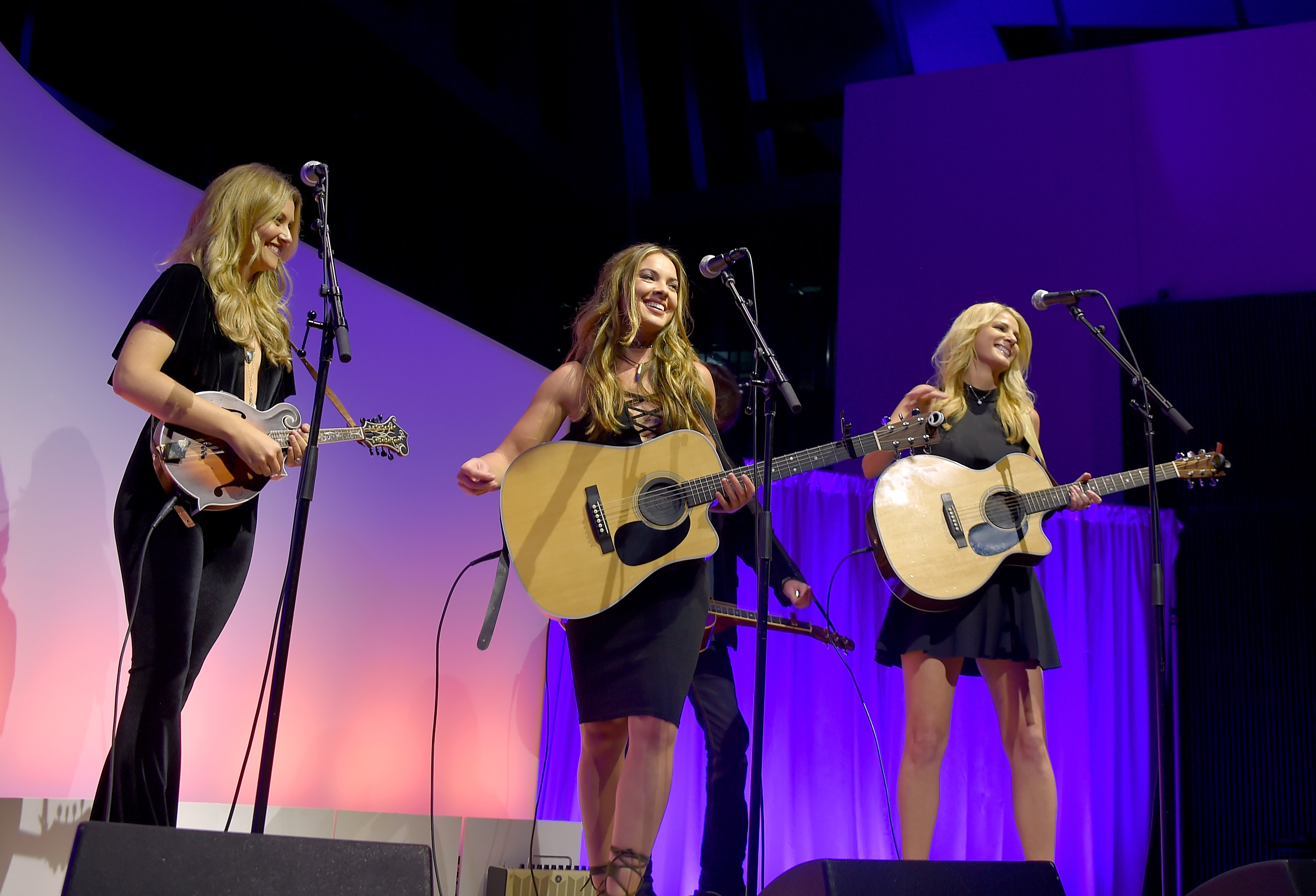Credit Habitat Bourges See Runaway June Sing Buoyant Lipstick At The Grand Ole Opry