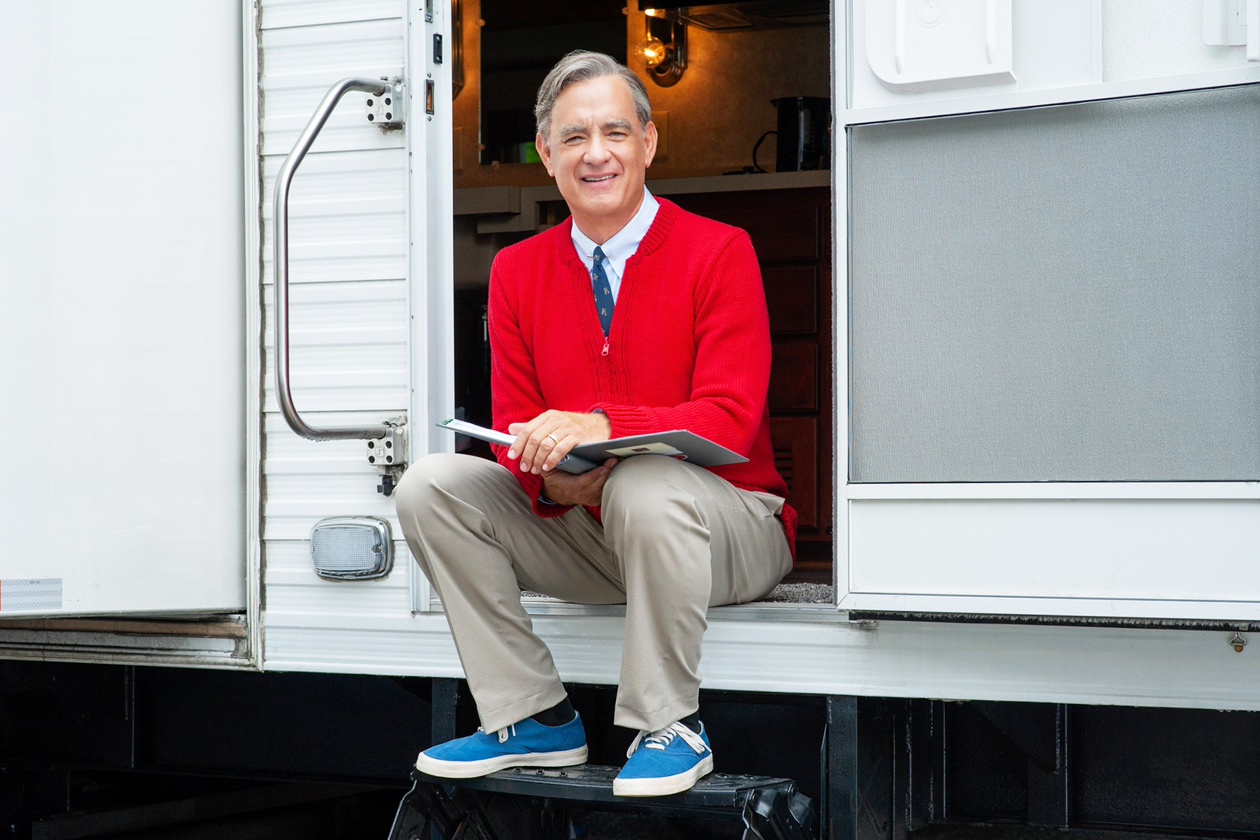 Tom Trailer Tom Hanks As Mr Rogers In First Look At Upcoming Biopic Rolling