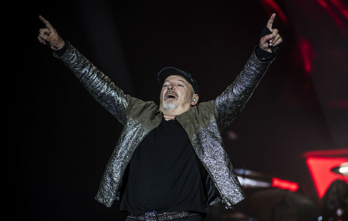 Concerto Vasco Al Cinema Un Pugno E Una Carezza Vasco Rossi In Tour Rolling Stone Italia