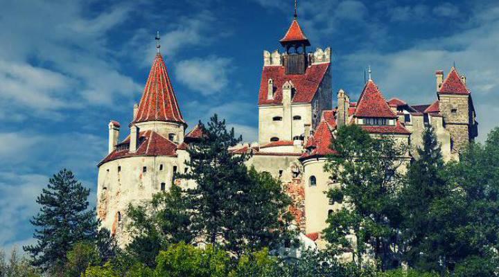 PREMIERĂ! De Halloween poți dormi în Castelul Bran.  Vezi ce trebuie să faci:
