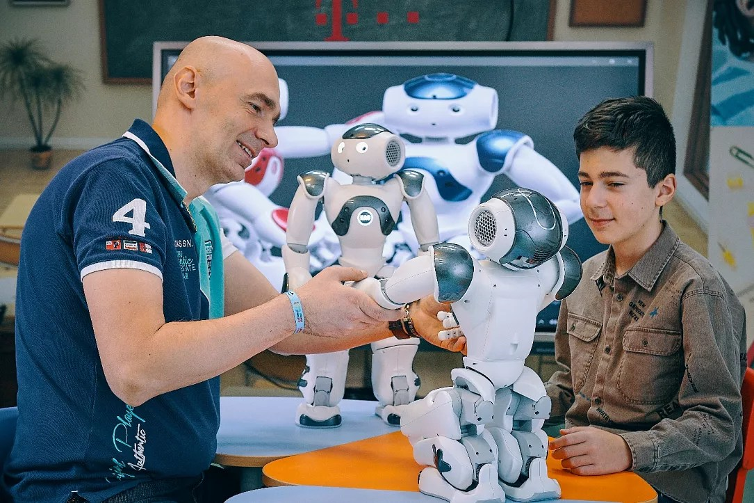 Children Robot Romanian Center Introduces Robot Assisted Therapy For Autistic