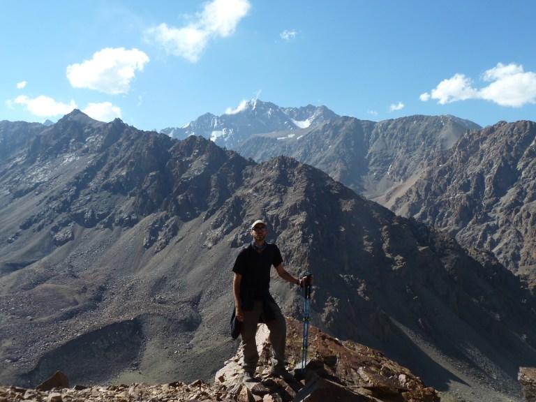 Esto es en mi país de origen, tras recorrer mundo volví a país a descubrirlo. Cruzando los Andes de Argentina a Chile, unos kilómetros al sur de Mendoza.