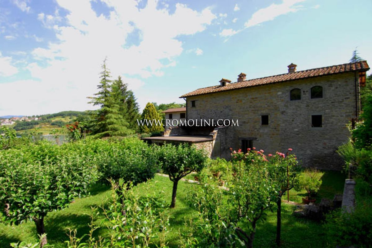 Italian Farmhouses For Sale Farmhouse For Sale In Sansepolcro Tuscany