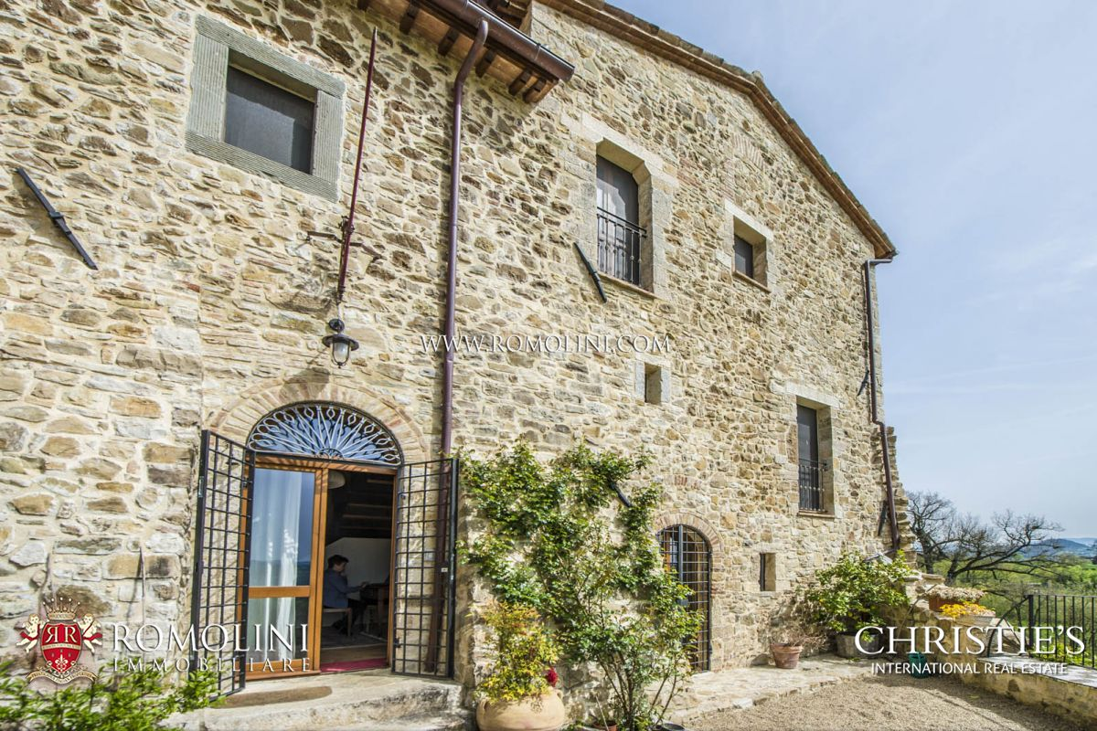 Italian Farmhouses For Sale Umbria Farmhouses For Sale In Todi Umbria A Luxury