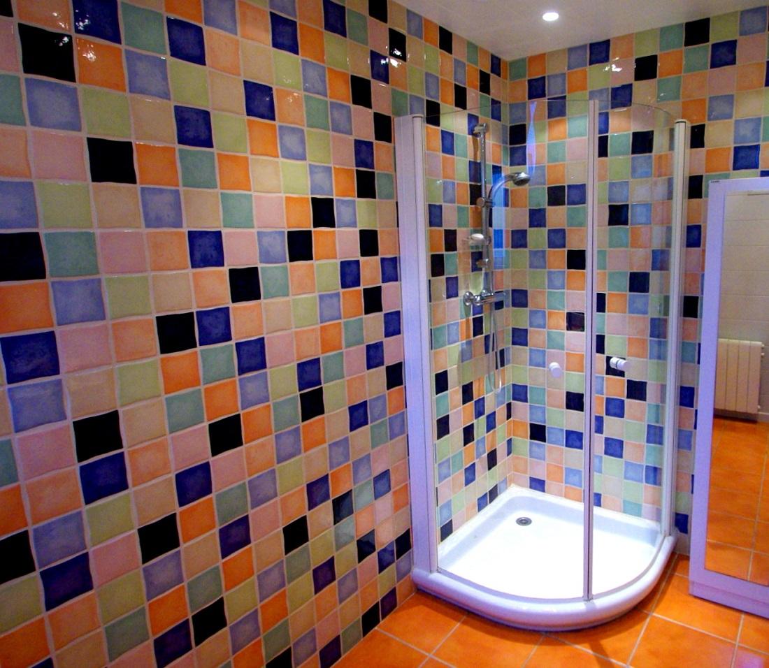 Carrelage Multicolore Salle De Bain | Peinture Pour Carrelage Mural ...