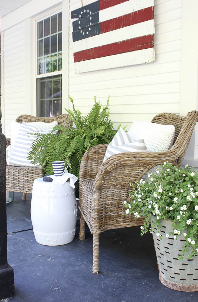 Front porch decorating rooms for rent blog - Narrow porch decorating ideas ...