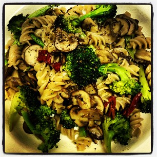 Pasta with Garlic mushrooms and Italian Broccoli