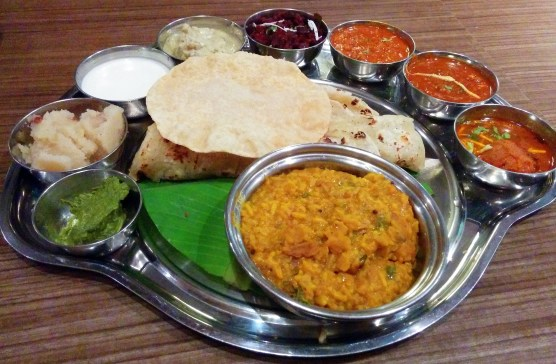 banana-leaf-special-thali-at-banana-leaf-viviana-mall-thane
