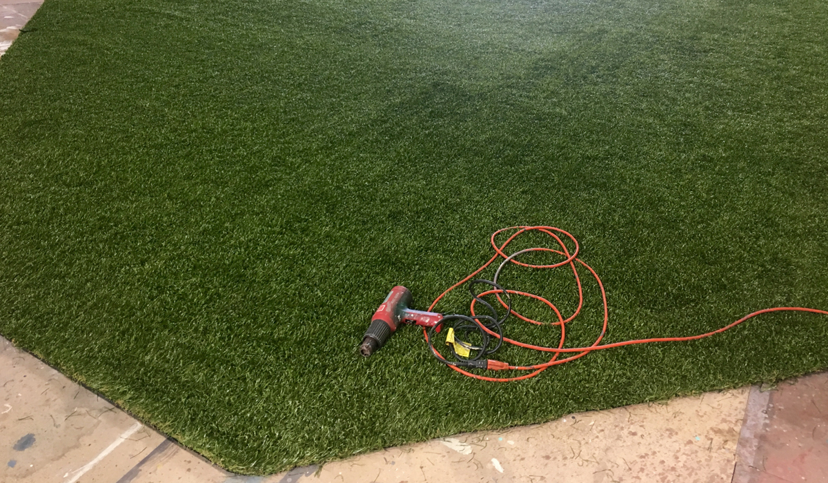 Buy Fake Grass How To Create Realistic Faux Grass For Your Set Rosco Spectrum