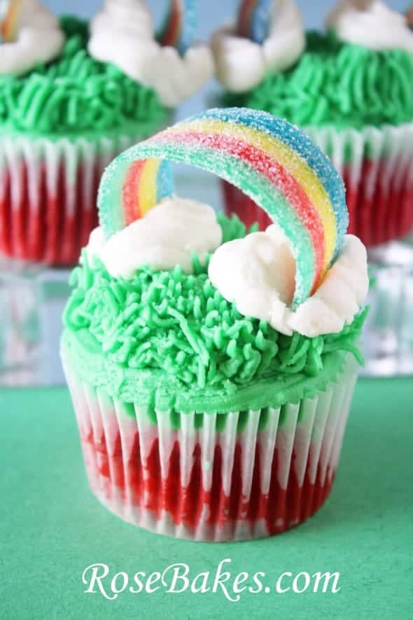 St Patrick\u0027s Day Cupcakes with Sour Power Rainbows