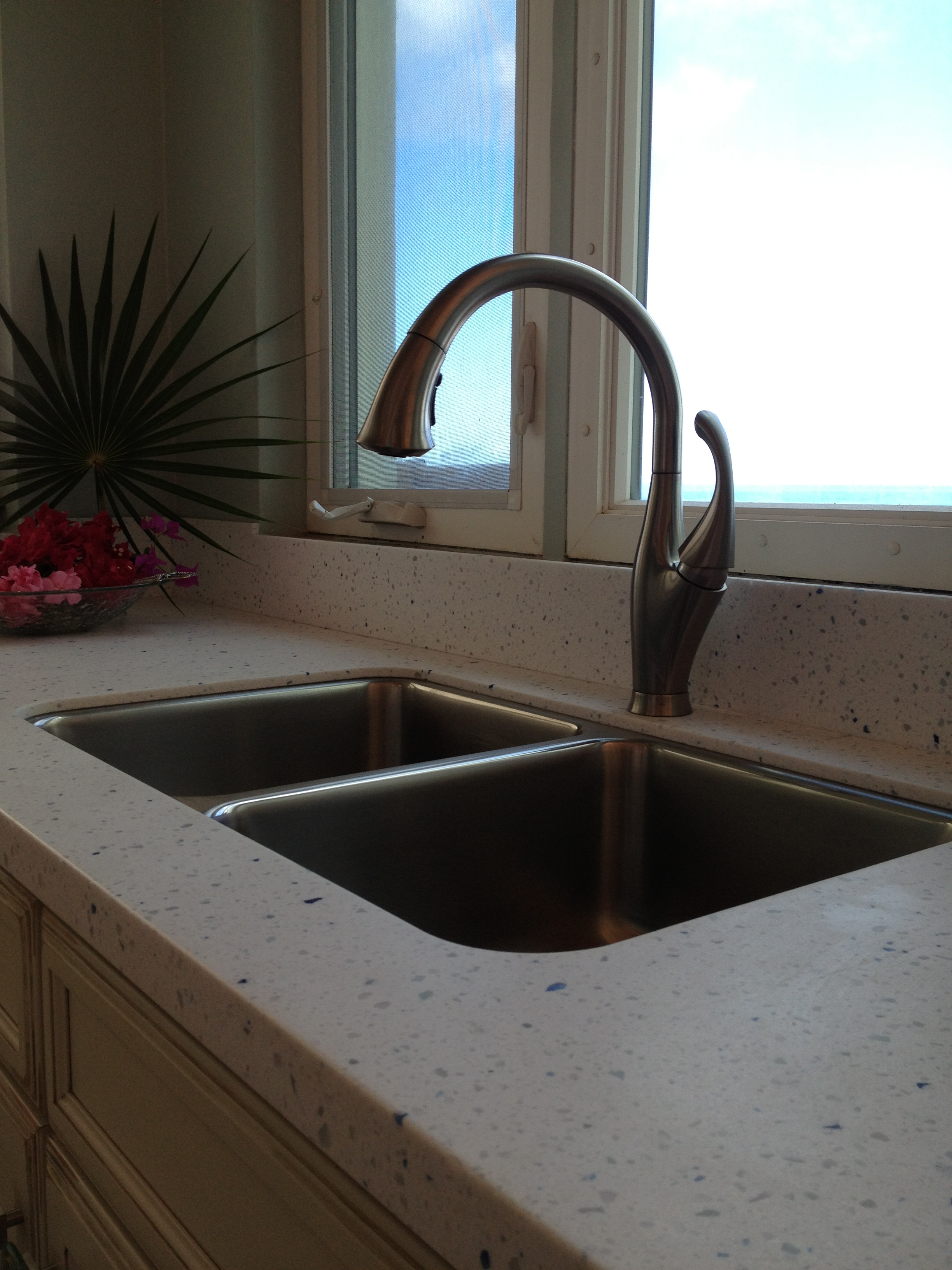 Solid Surface Countertop Options Did You Know Countertops Stylish Living With Rci