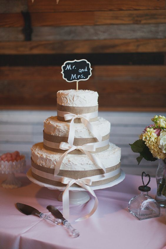 Lifestyle Blog Post Ideas 2018 Say I Do To These Fab 20 Rustic Burlap Wedding Cakes