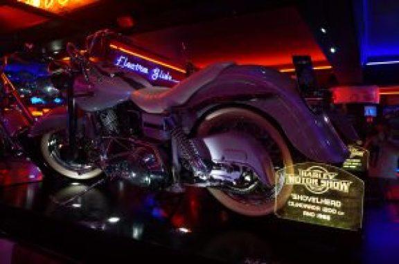 DIversas Harleys em condições de uso no salão
