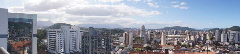 Panorâmica da cidade vista da varanda