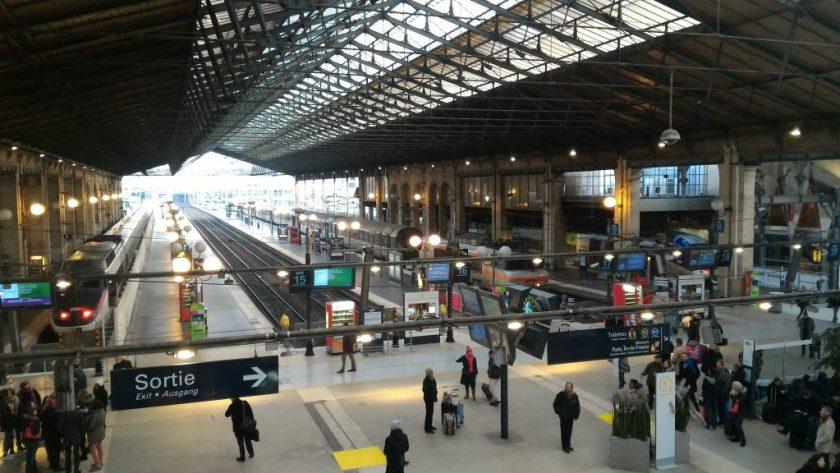 JpegVisão da Gare du Nord.  à esquerda, o Eurostar.