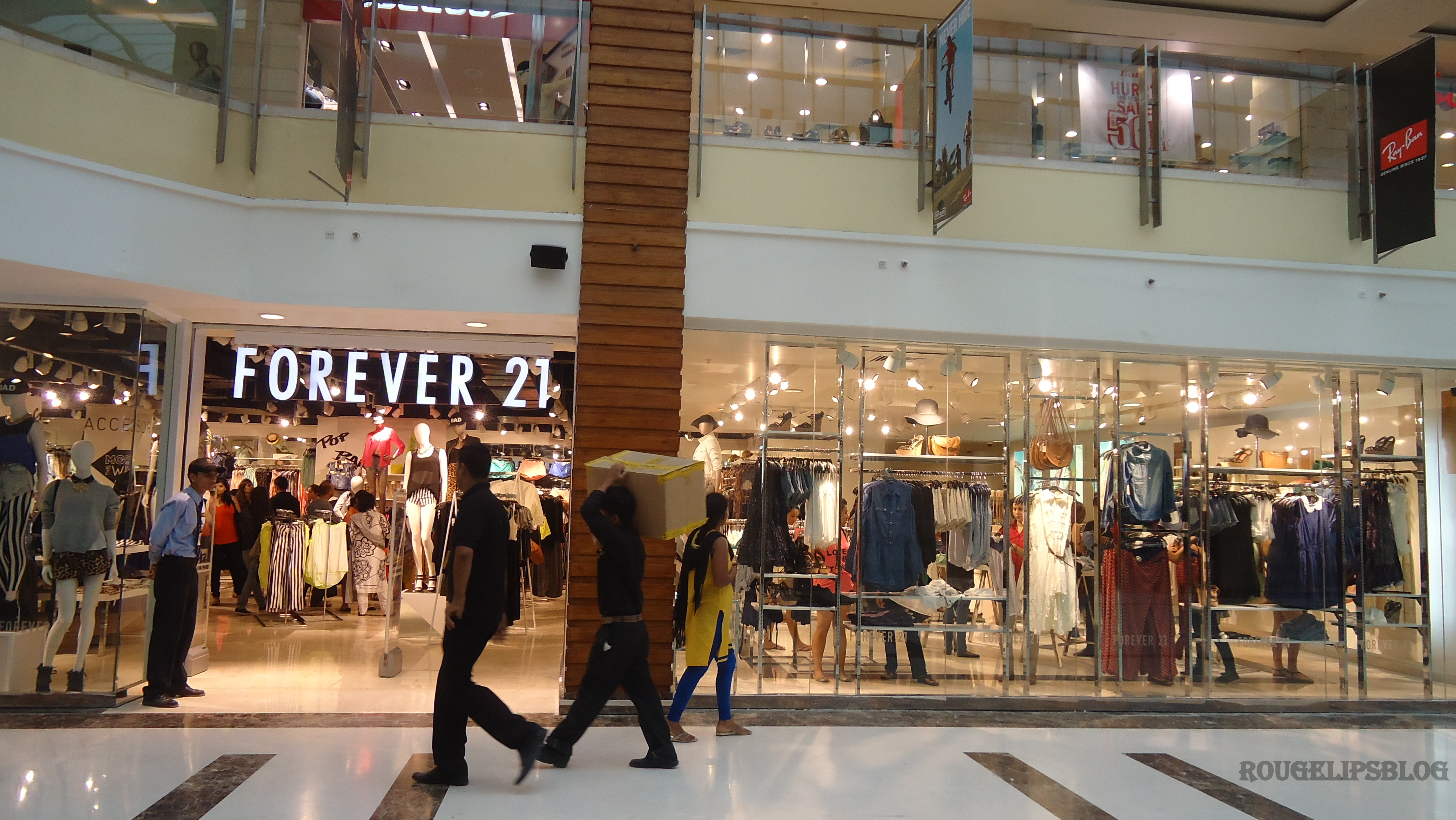 21 Forever Beauty News Forever 21 New Store Opens In New Delhi