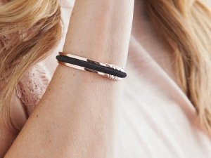 holiday gifts for your best friend hair tie bracelet