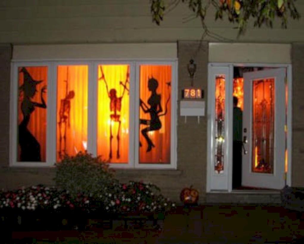 52 Amazing Halloween Window Decoration Ideas