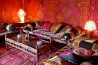 48 Relaxing Moroccan Living Room Decoration Ideas - Round ...