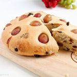 Grape and raisin flatbread
