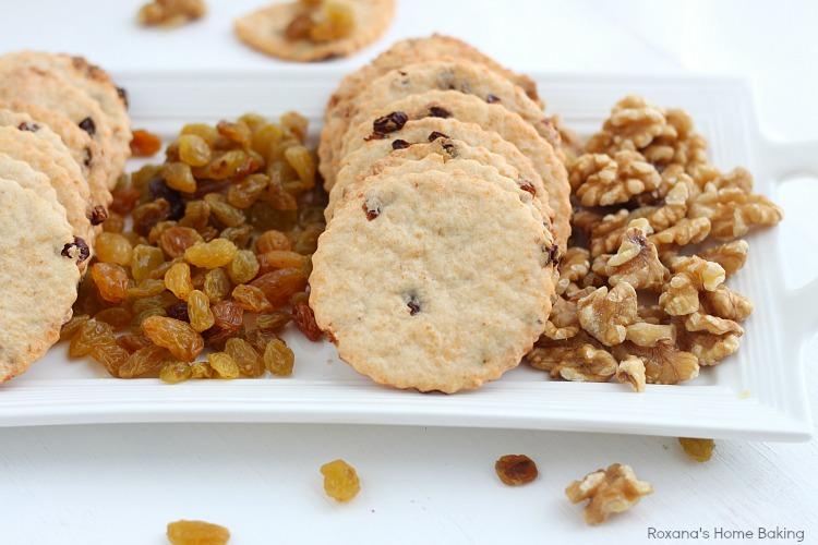 Raisin cheese crackers recipe