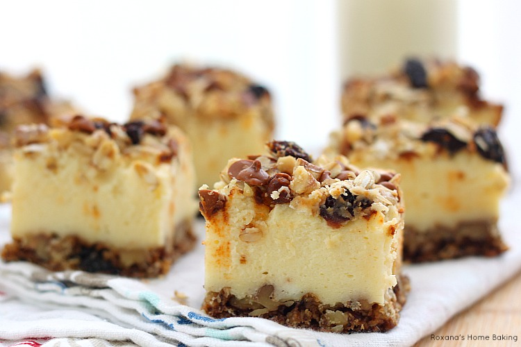 Oatmeal raisin cookie cheesecake bites