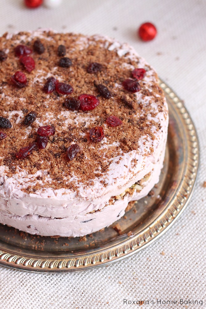 ... this light no-bake Christmas fruit cake. Only 6 ingredients needed