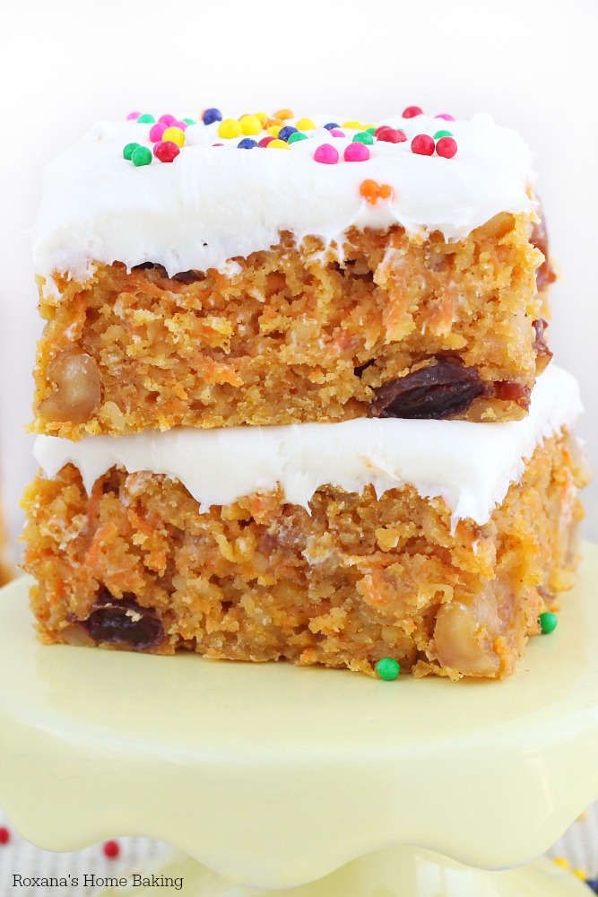 Speckled with freshly grated carrots, walnuts and raisins, these super moist carrot cake bars are the easier version of the traditional carrot cake.