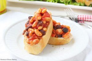beans, tomato and raisins bruschetta recipe