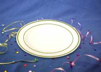 MASTERPIECE PLASTIC DINNER PLATES 10.25 IN. - GOLD ...