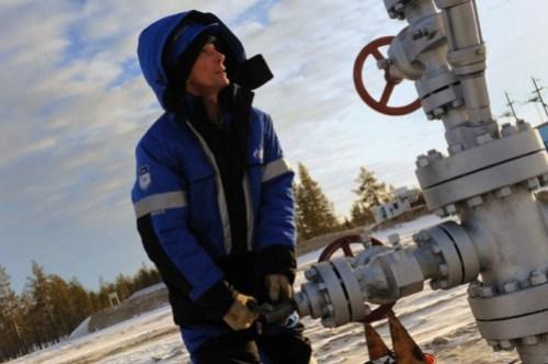 Морским путём нефть с новопортовского месторождения начали вывозить в августе 2014 г месторождение и мыс каменный