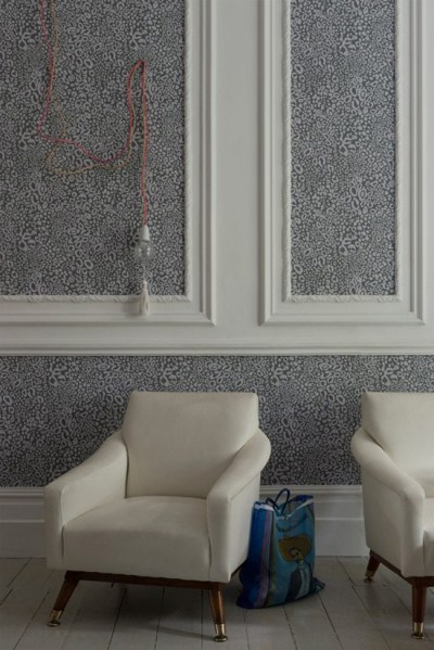 Wallpaper vs paint: variety, durability, cost & use in different rooms