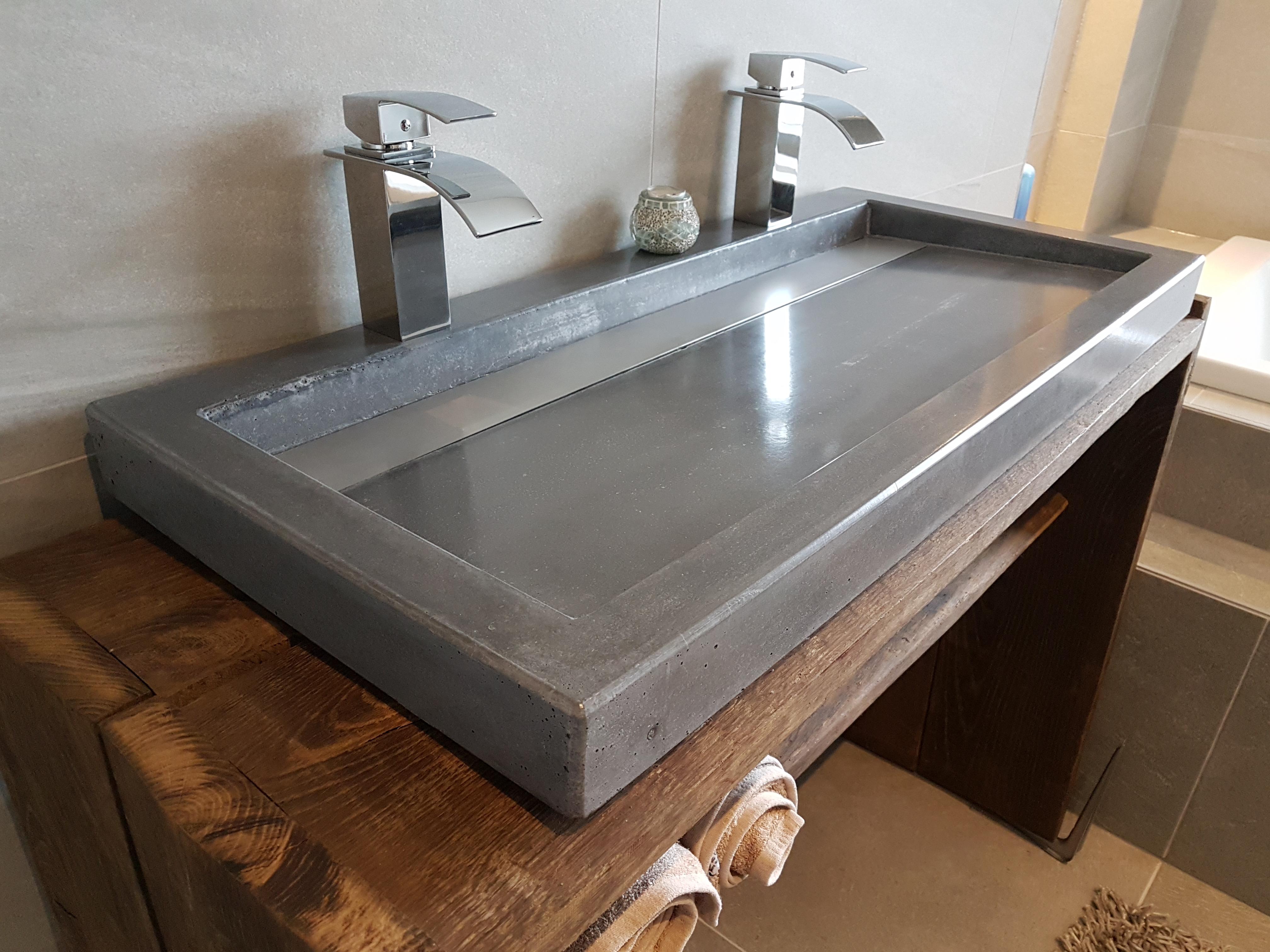 Afvoer Wasbak Badkamer : Wasbak badkamer afvoer aansluiten afvoer dubbele wasbak werkspot