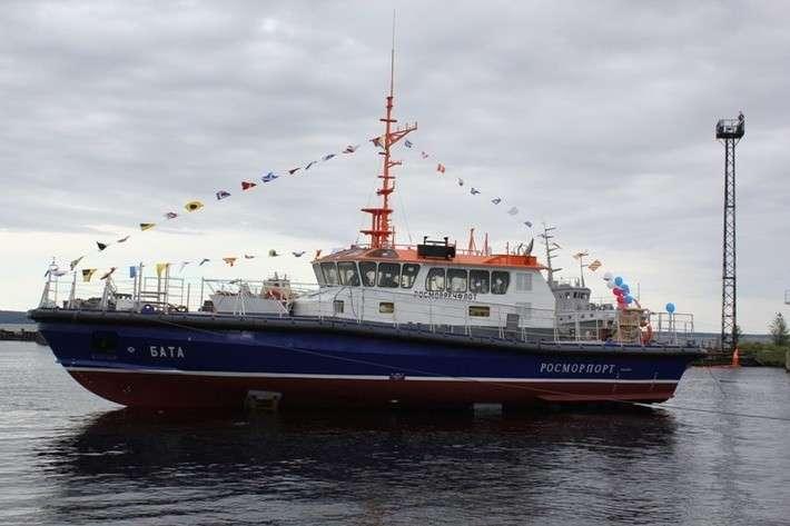 4. В Карелии спустили на воду рабочий катер ледового класса политика, сделай сам, факты