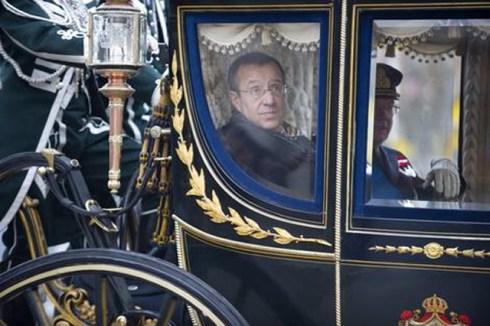 Президент Эстонии по дороге во дворец короля Швеции. Фото: Пресс-служба Президента Эстонии