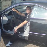 Главарь банды любил дорогие машины.