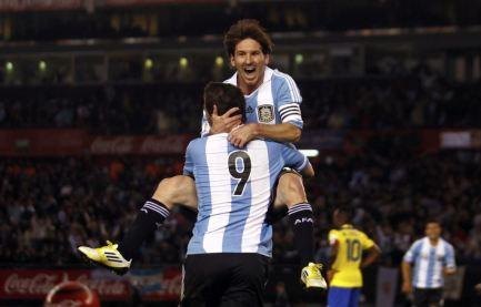 Игра Лионеля за сборную Аргентину вызывает немало критики. И хотя в минувшем году он стал забивать за национальную команду гораздо чаще, по-настоящему важным для него станет чемпионат мира в Бразилии.
