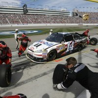 NSCS: Tony Stewart Continues Disappointing Season Of Mistakes And Gambles