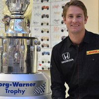 VICS: Hunter-Reay's Face Unveiled on Borg-Warner Trophy