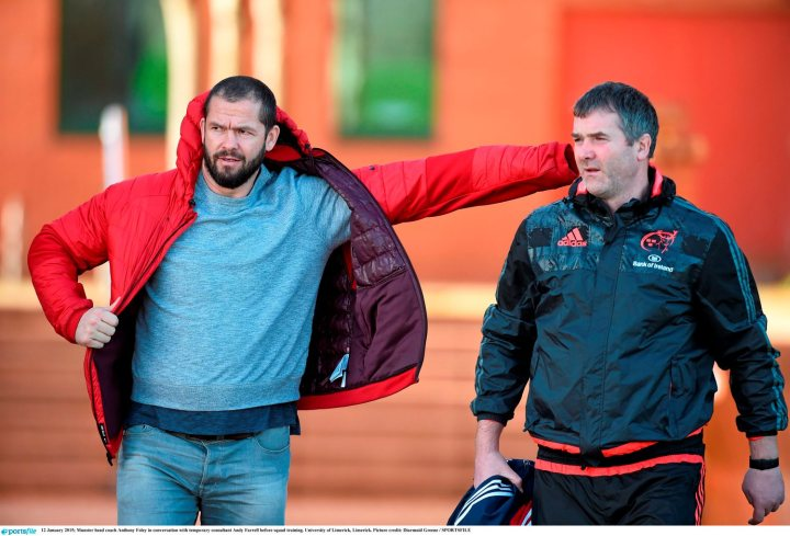 12 January 2015; Munster head coach Anthony Foley in conversation with temporary consultant Andy Farrell before squad training. University of Limerick, Limerick. Picture credit: Diarmuid Greene / SPORTSFILE