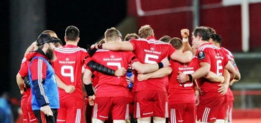 munster-huddle