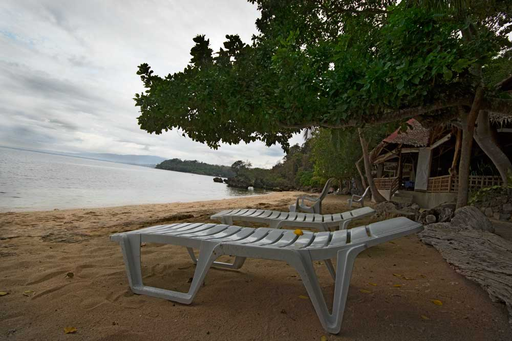The Kookoo's Nest Resort Zamboanguita Philippines - Beach Front