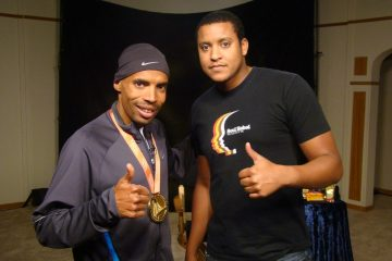 Boxed Lunch & Pic with Meb