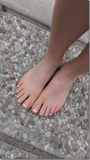 french is back runners feet 450x800 thumb Friday Favorites and Running for Something Better