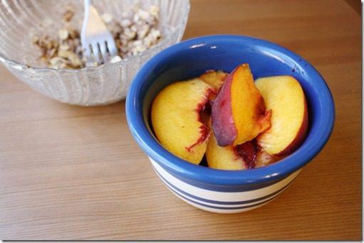 IMG 3107 800x533 thumb Skinny Peach Crisp for One