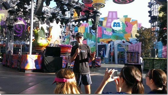 jeff galloway speaking 800x450 thumb Disneyland Half Marathon Tweet Up Meet Up